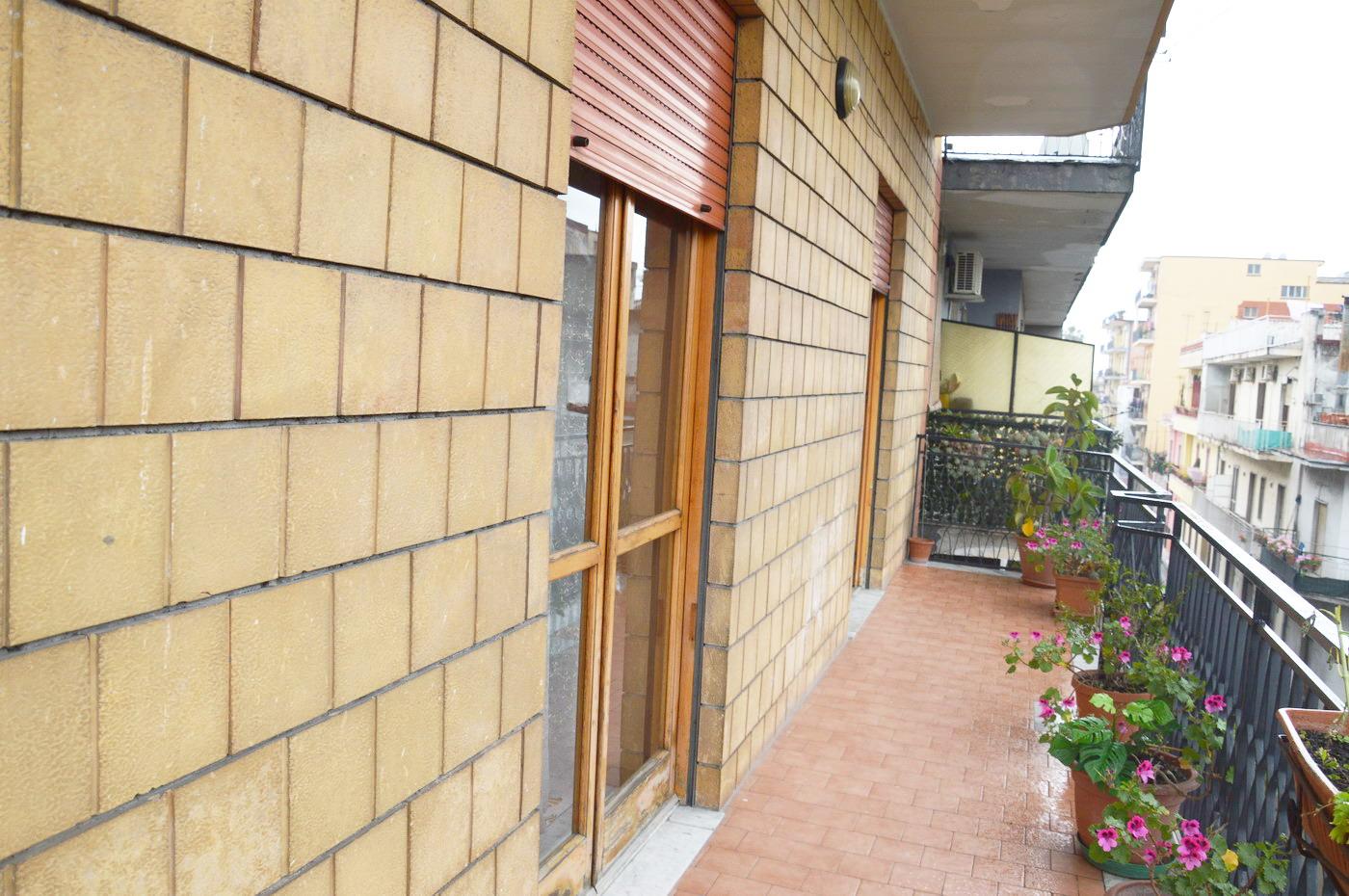Appartamento Centro Poggiomarino. 150 mq 4 vani più accessori con Box.